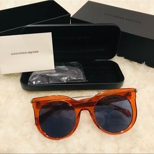 3c4a6bd9688  580 NWT AUTHENTIC Alexander McQueen Sunglasses